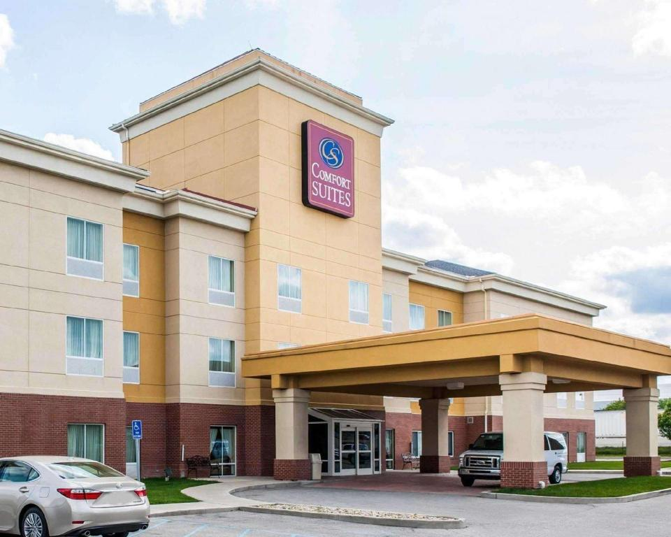 More about Comfort Suites Comfort Suites near Indianapolis Airport