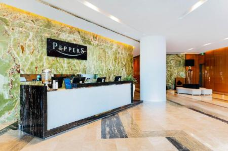 Lobby Peppers Broadbeach Resort