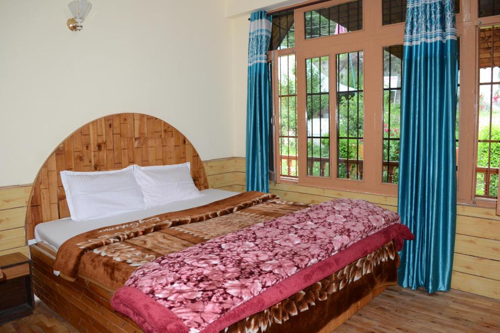 Bed North Peace Home Stay