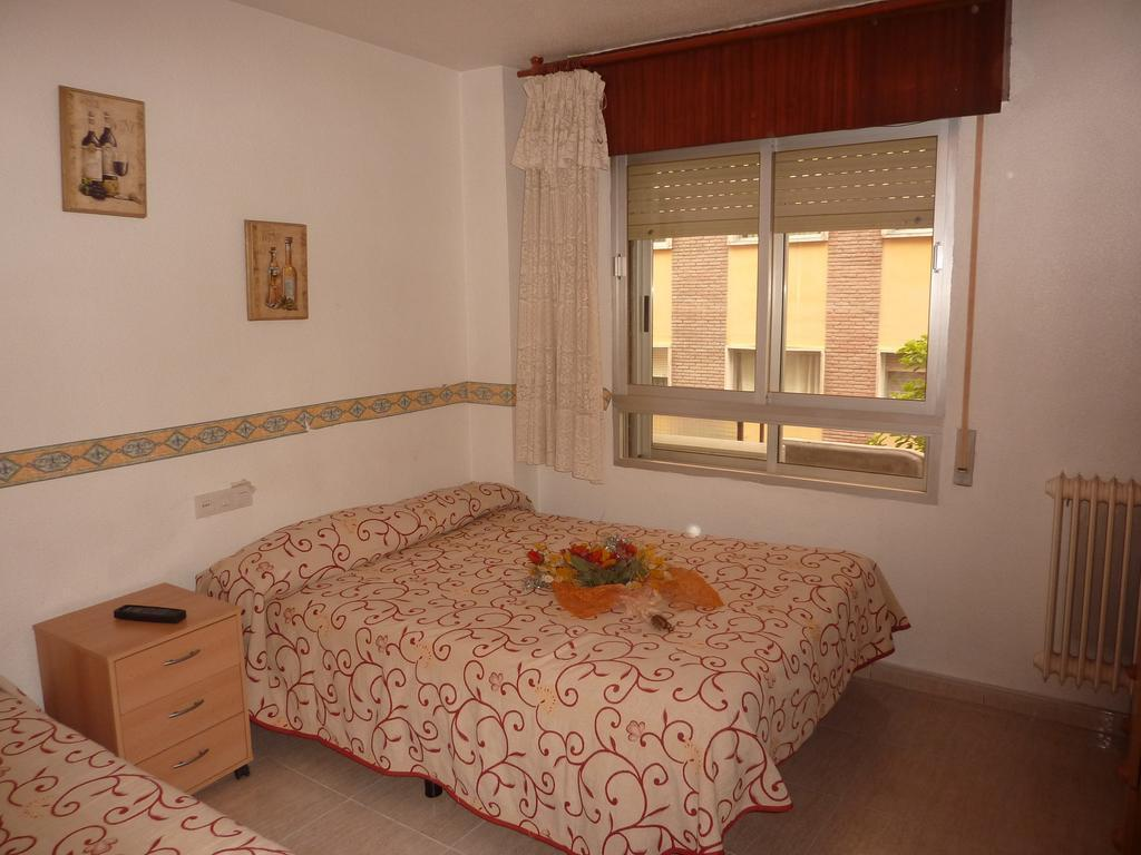 Single Room with Shared Bathroom AB Pension Granada