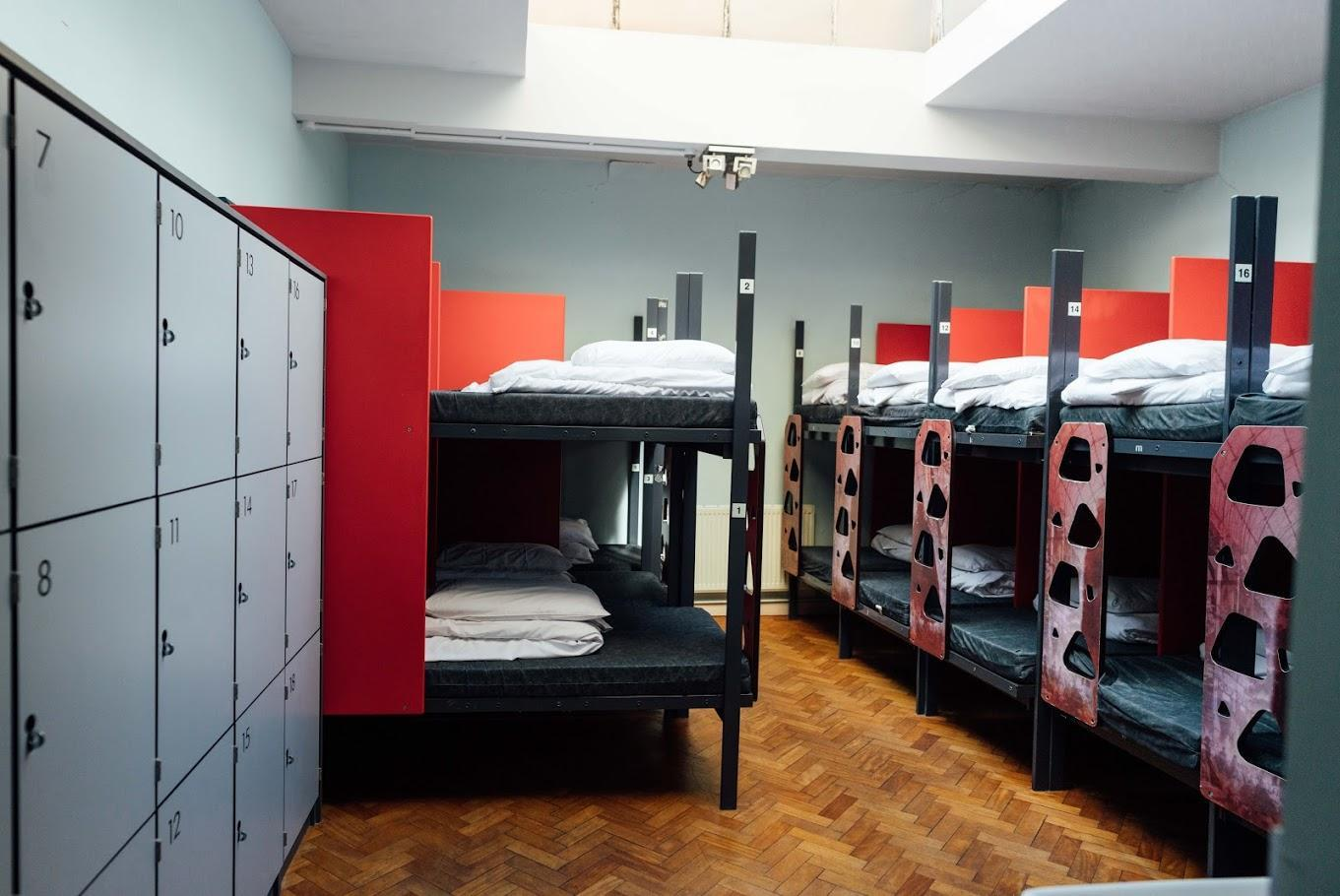 1 Bed in 18-Bed Dormitory