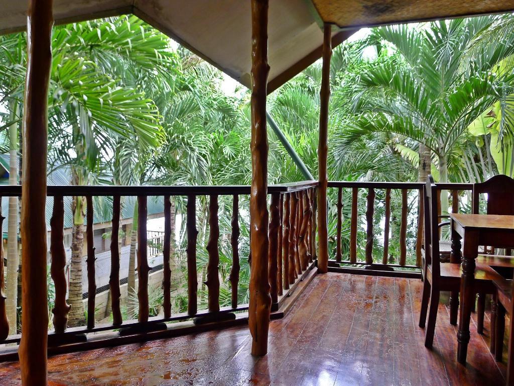 Balcony Terrace La Salangane Caalan Beach Villa