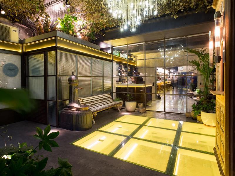 Sala Fumatori Aeroporto Barcellona : Casa gracia barcelona hostel barcellona affari imbattibili su