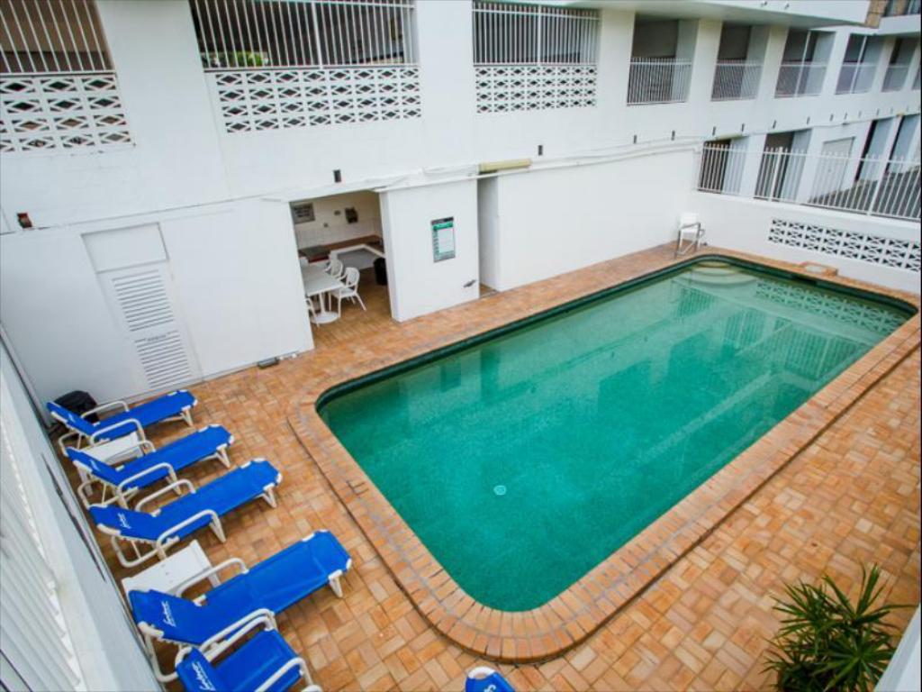 Swimming pool Suntower Holiday Apartments
