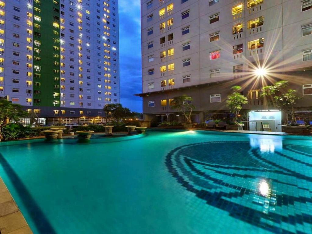 Pool Green Pramuka City Studio Room by Novi 3