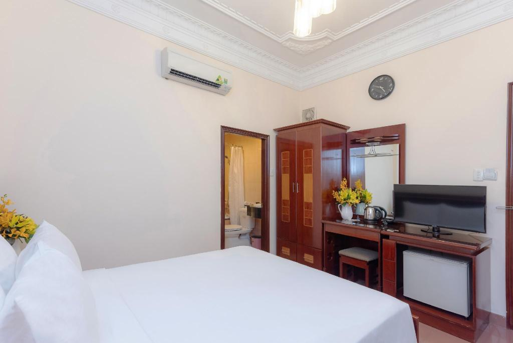 Standard Double Room - View Thien Xuan Hotel