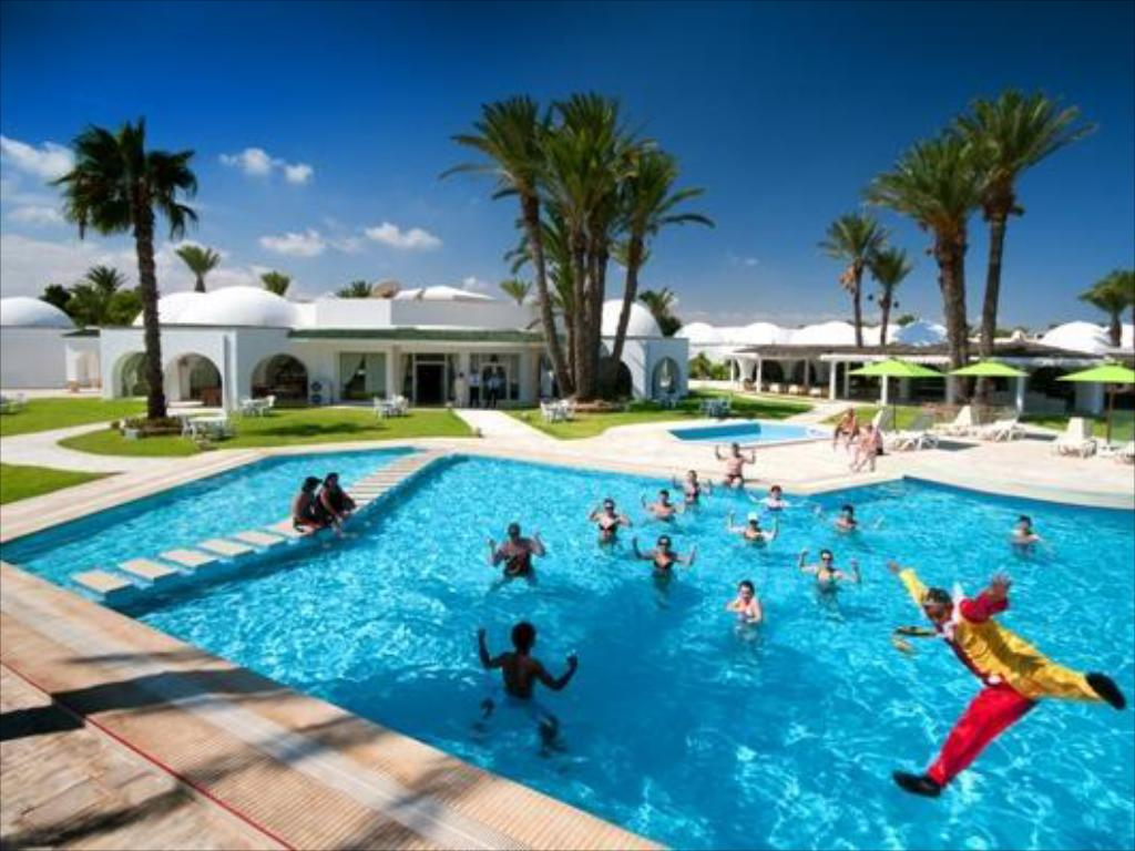 Swimming pool Club Sunshine Rosa Rivage Hotel