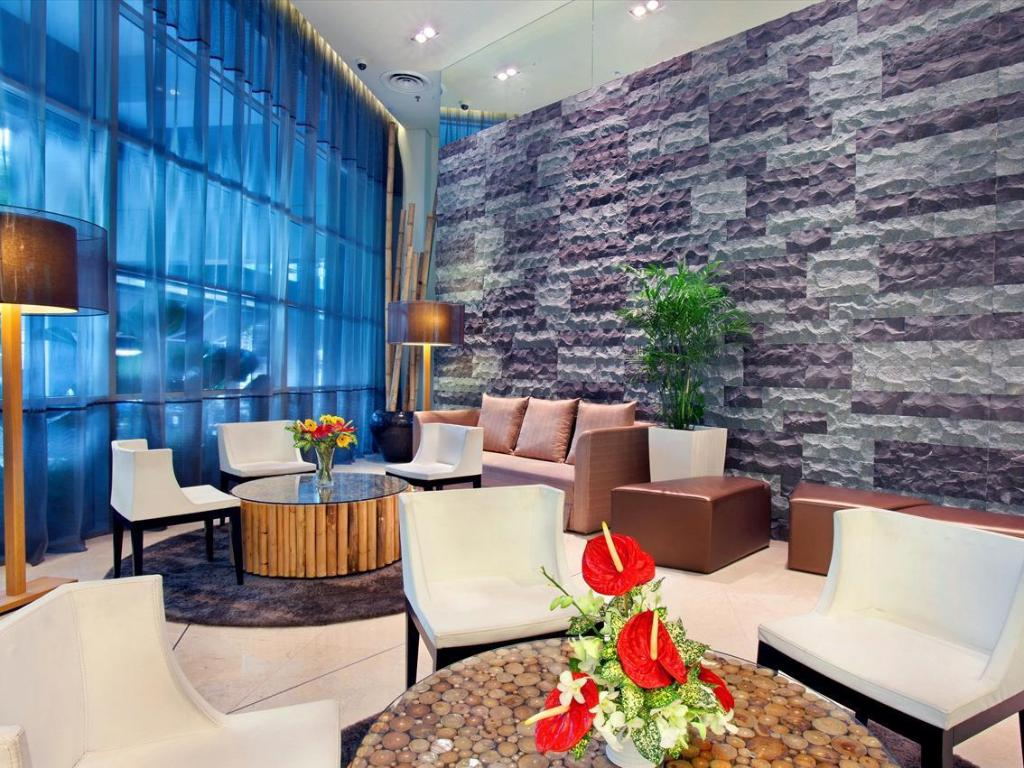 Lobby PARKROYAL Serviced Suites Kuala Lumpur