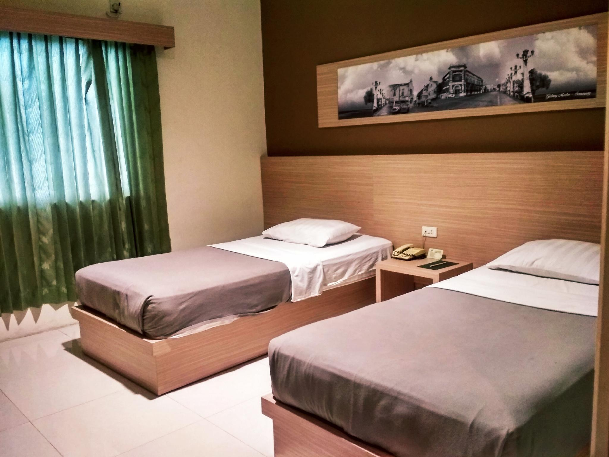 Hanya Kamar Superior (Superior Room Only)