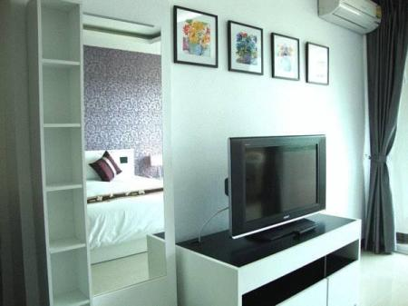 Superior Studio with Balcony Grand Residence Jomtien