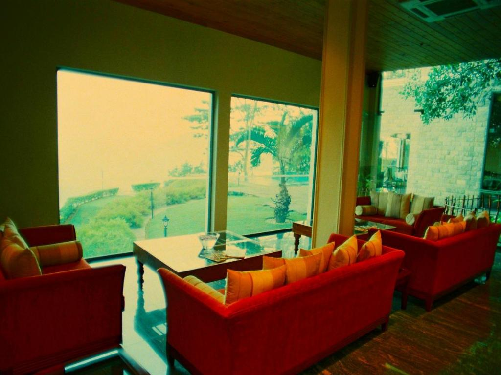 Lobby Randholee Resort & Spa