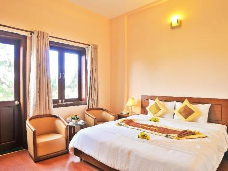 Deluxe Room with Double Bed Ky Hoa Dalat Hotel