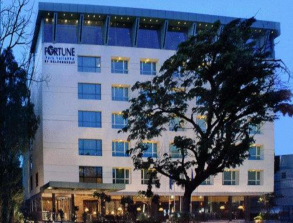 Fortune Park Vallabha Hotel