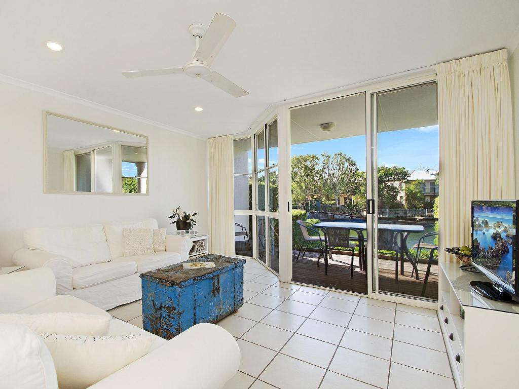 1 Bedroom Villa - Guestroom Portside Noosa Waters Hotel