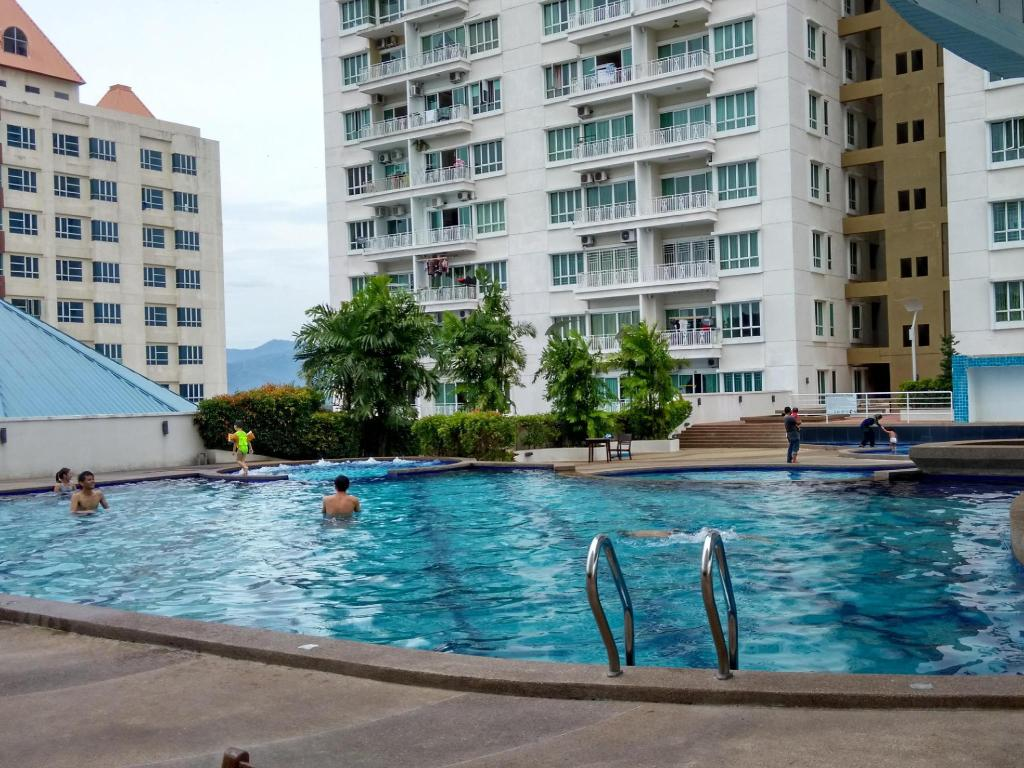 Swimming pool Sabah Apartment @ 1 Borneo