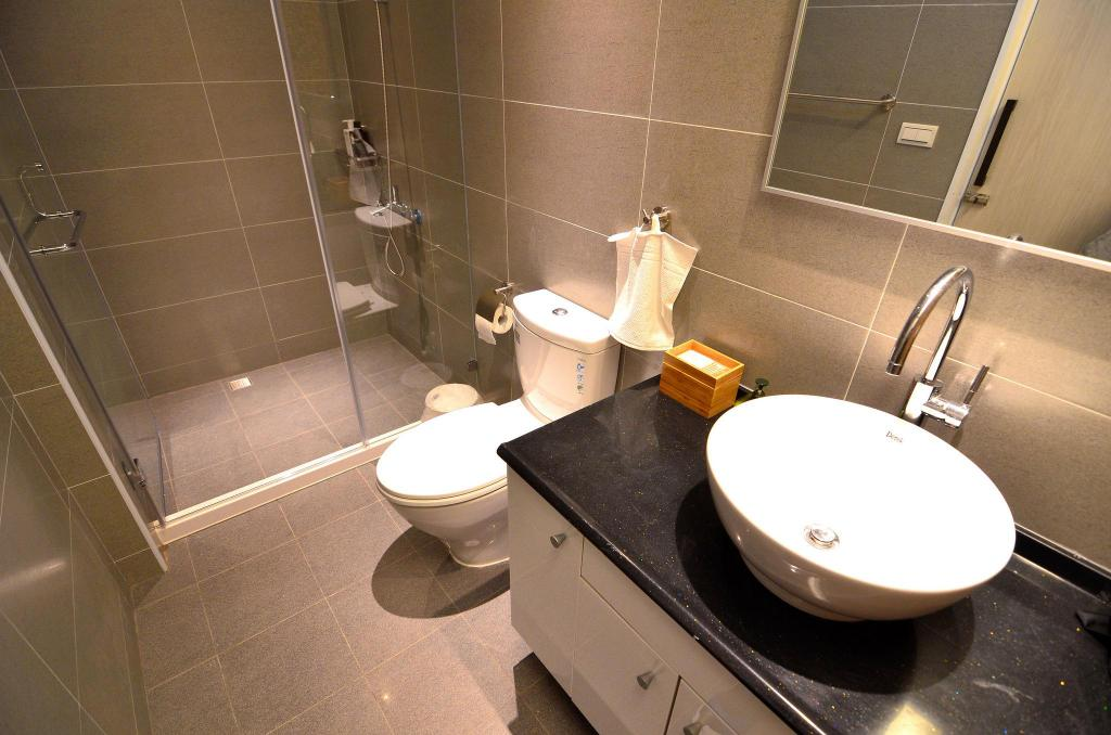 Bathroom Tainan near T.S. Mall & Ambassador Theater - Leaf  hostel Y3 Double room