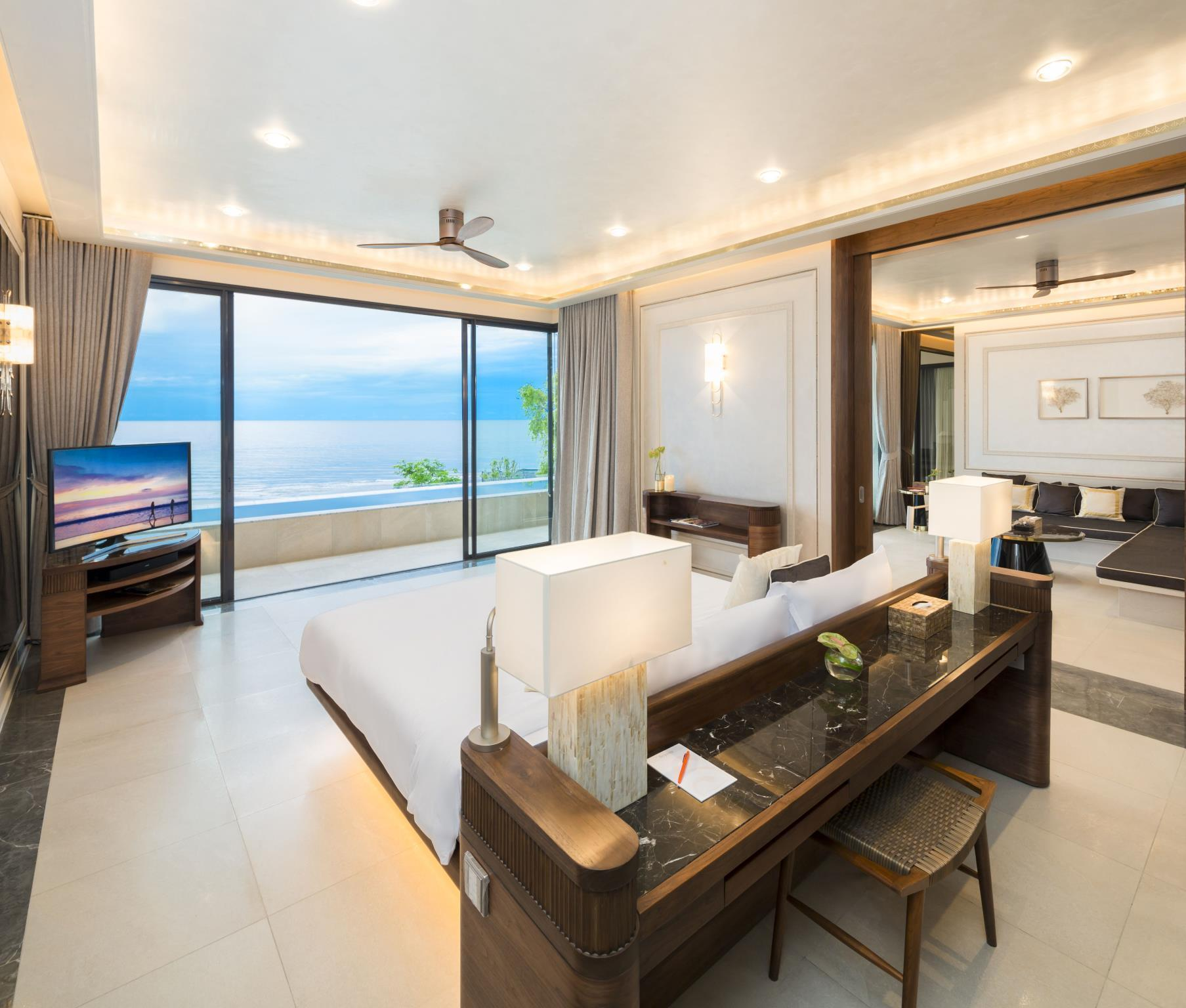 海滨阁楼 (Beachfront Penthouse)