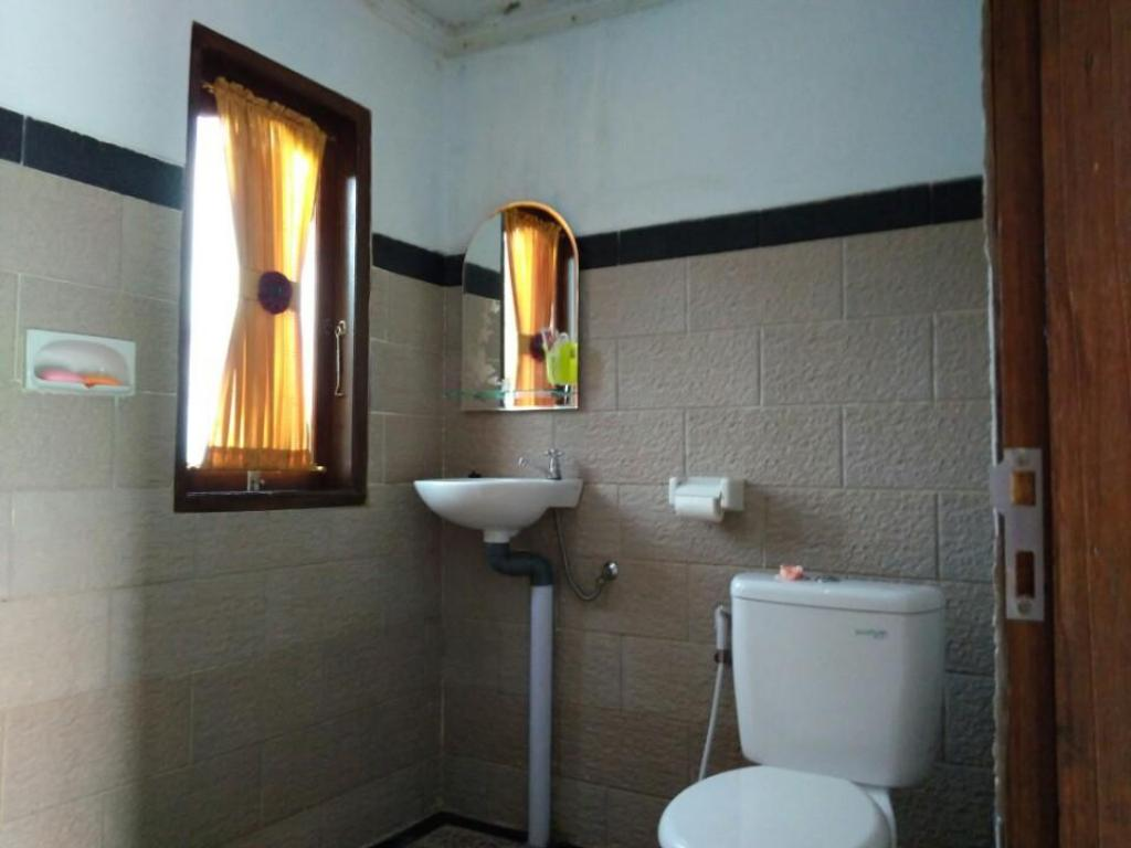 Bathroom 2BR at Pondok Bali Raden Kawan