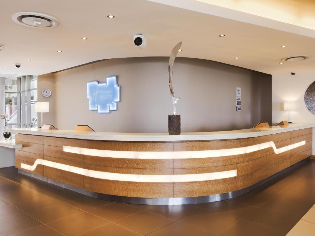 Lobby Holiday Inn Express Durban - Umhlanga