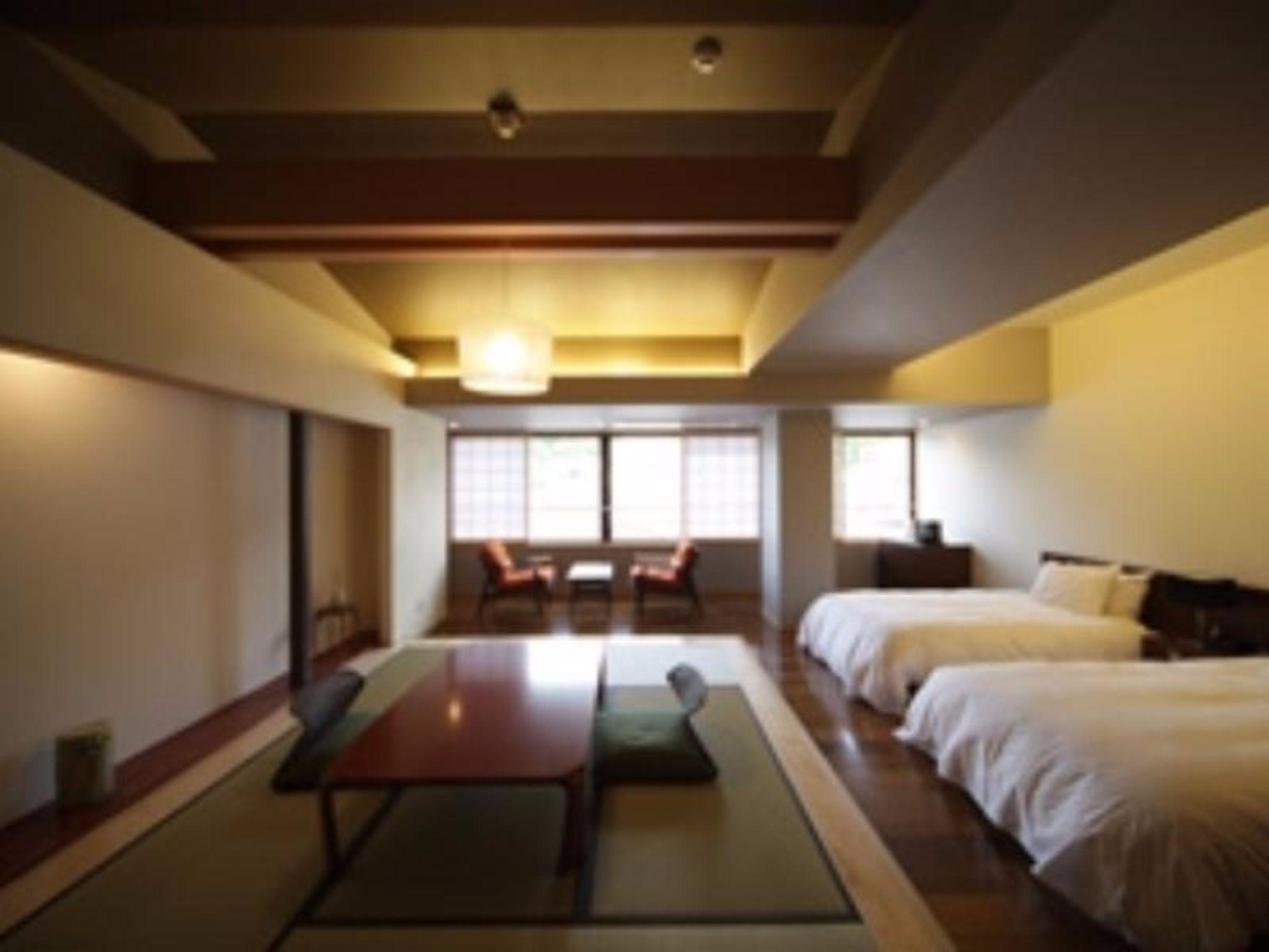 Kamar Jepang Bergaya Barat untuk 4 Orang dengan Kasur Twin dan Pemandangan Gunung – Bebas Asap Rokok (Mountain View Japanese Western Style Room for 4 People with Twin Bed - Non-Smoking)