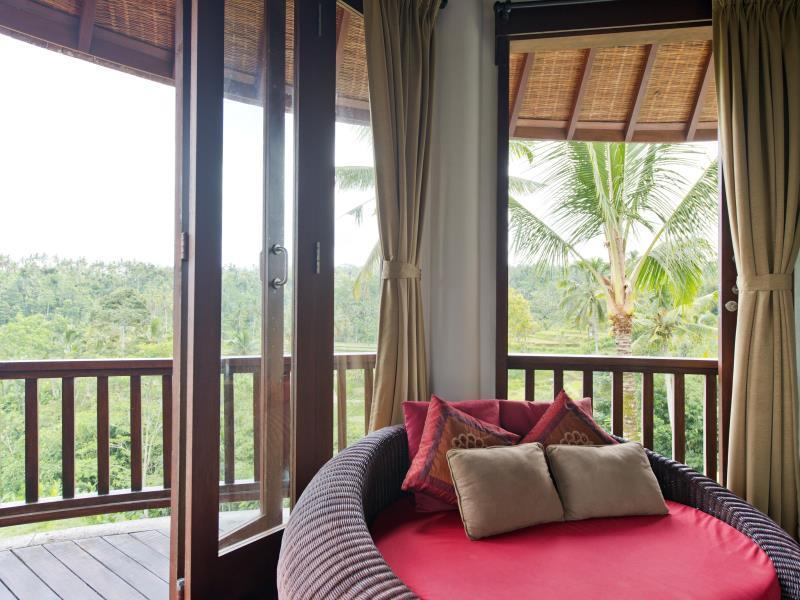 1 King Bed Suite Room Villa View