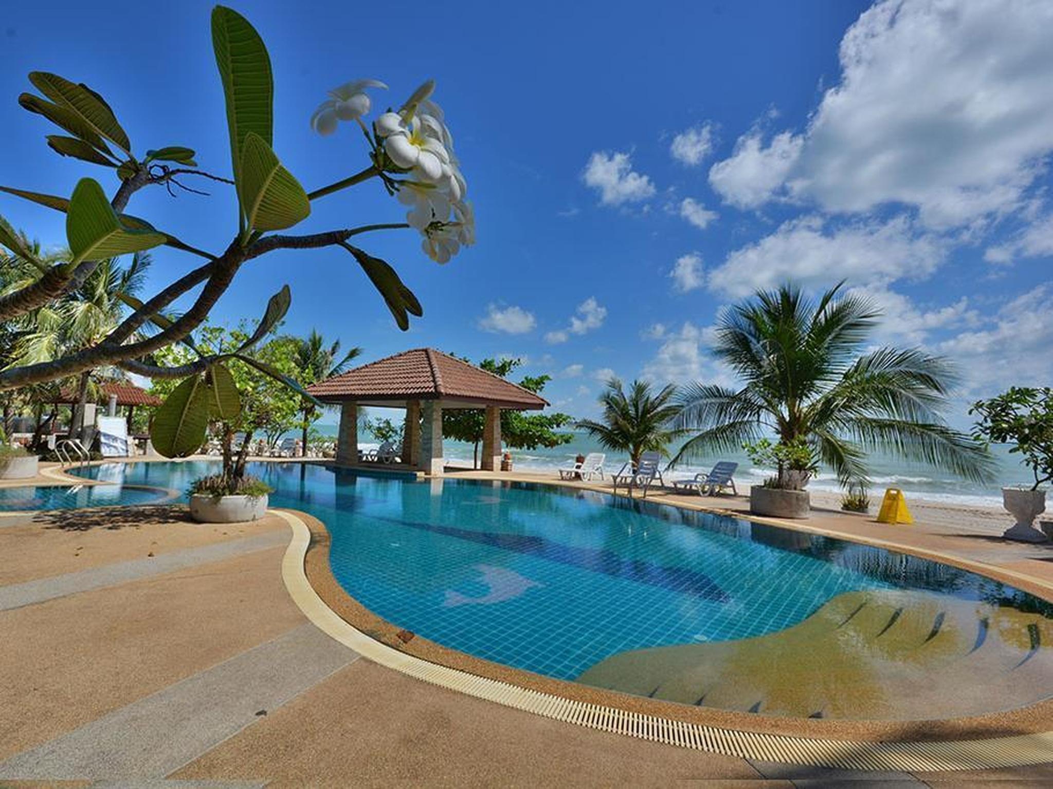 alongkot beach resort khanom in khanom nakhon si thammarat room rh agoda com