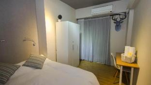 Tainan near Flower Night Market & Tainan Park - A leaf  hostel Family room