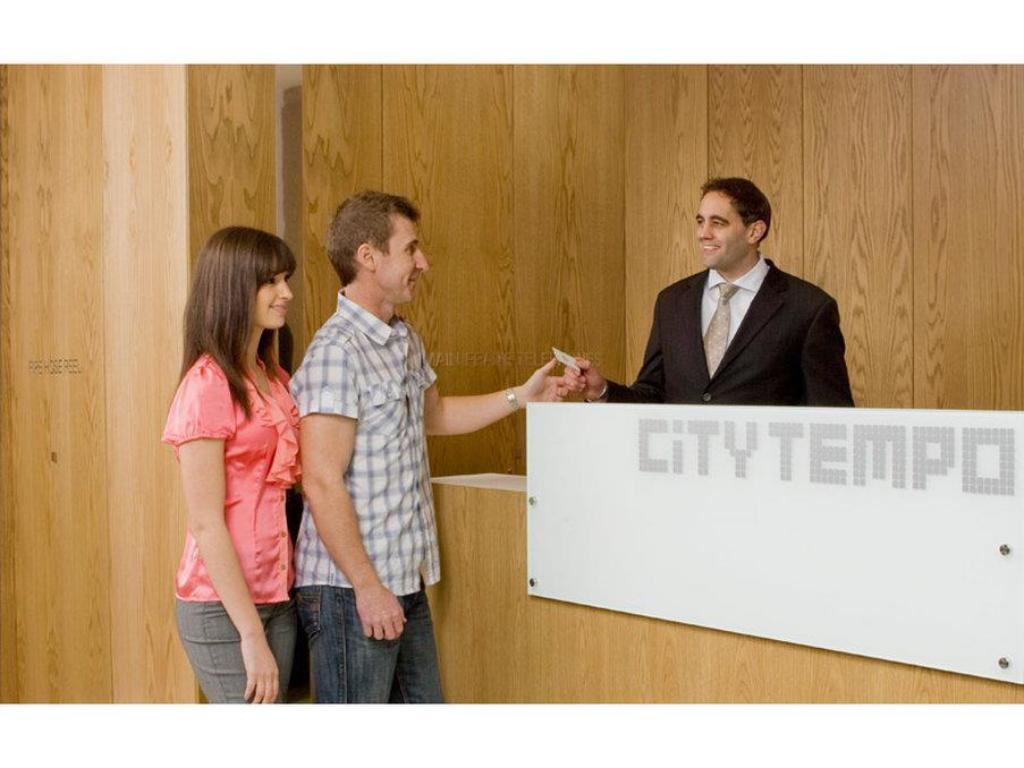 Lobby City Tempo – Queen St