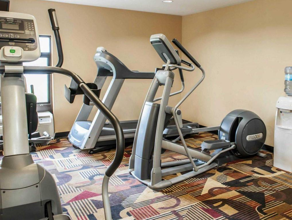 Fitness center Quality Inn and Suites Greenfield
