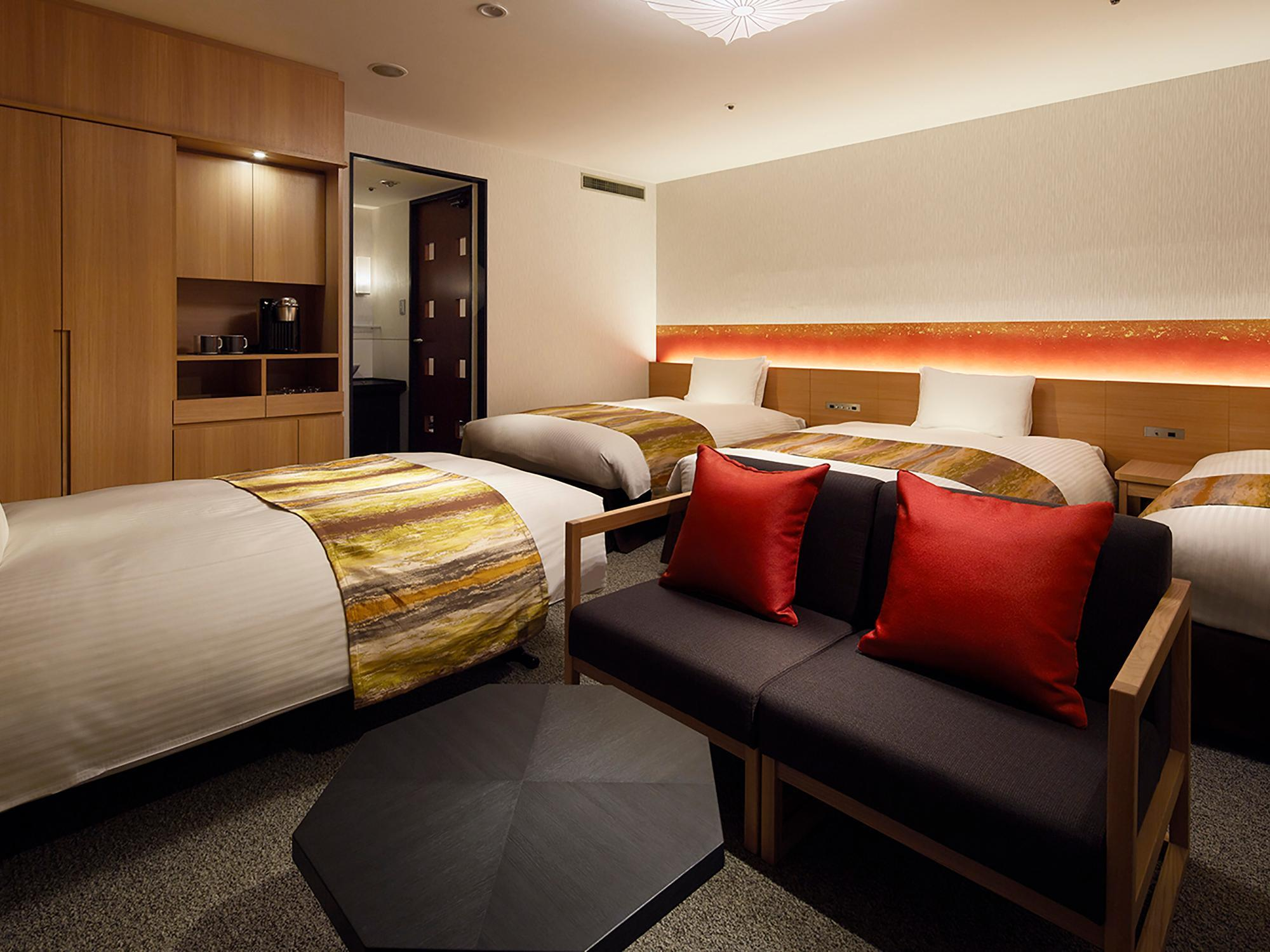 Kamar Triple dengan Kasur Tambahan (Triple Room with Extra Bed)