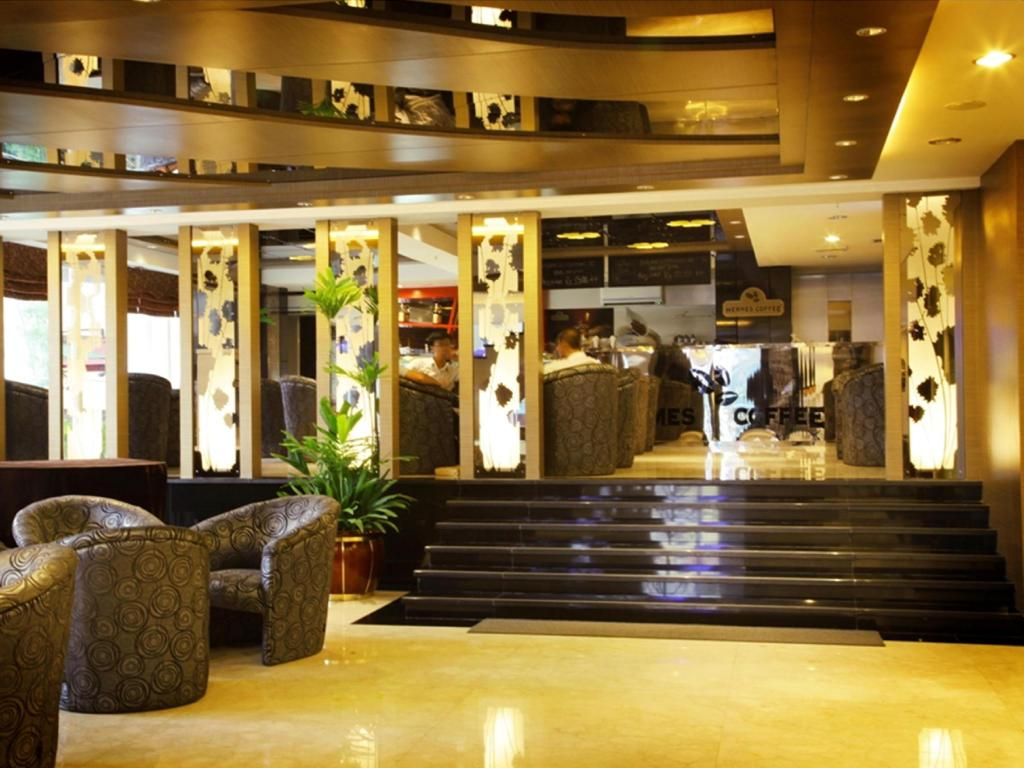 Lobby Hermes Palace Hotel Medan – Managed by Bencoolen