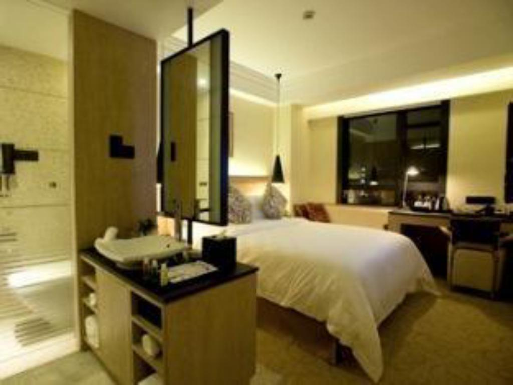 River View Single Room - Guestroom Duxiana Hotel