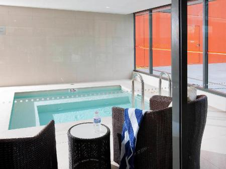 مسبح نوفوتيل نيوكاسل بيتش (Novotel Newcastle Beach)