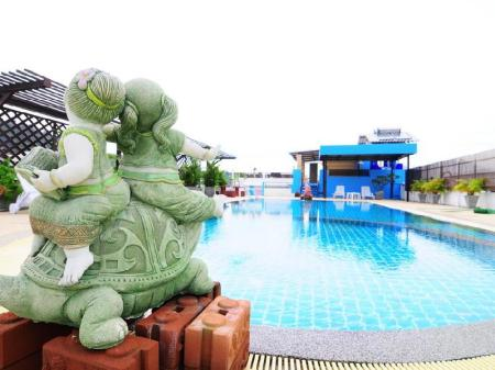 Swimming pool Hawaii Patong