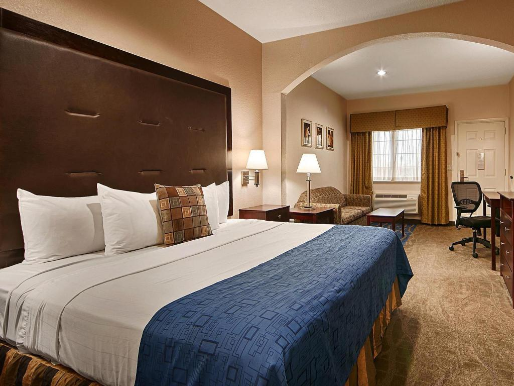 King Room Best Western Windsor Suites