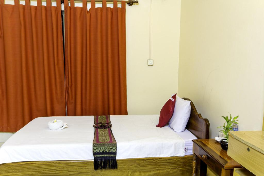 Single Air Conditioning - Bed Bou Savy Guesthouse