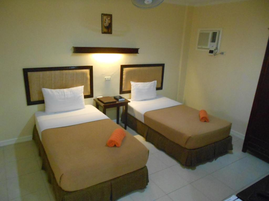 West Wing Standard Twin Room