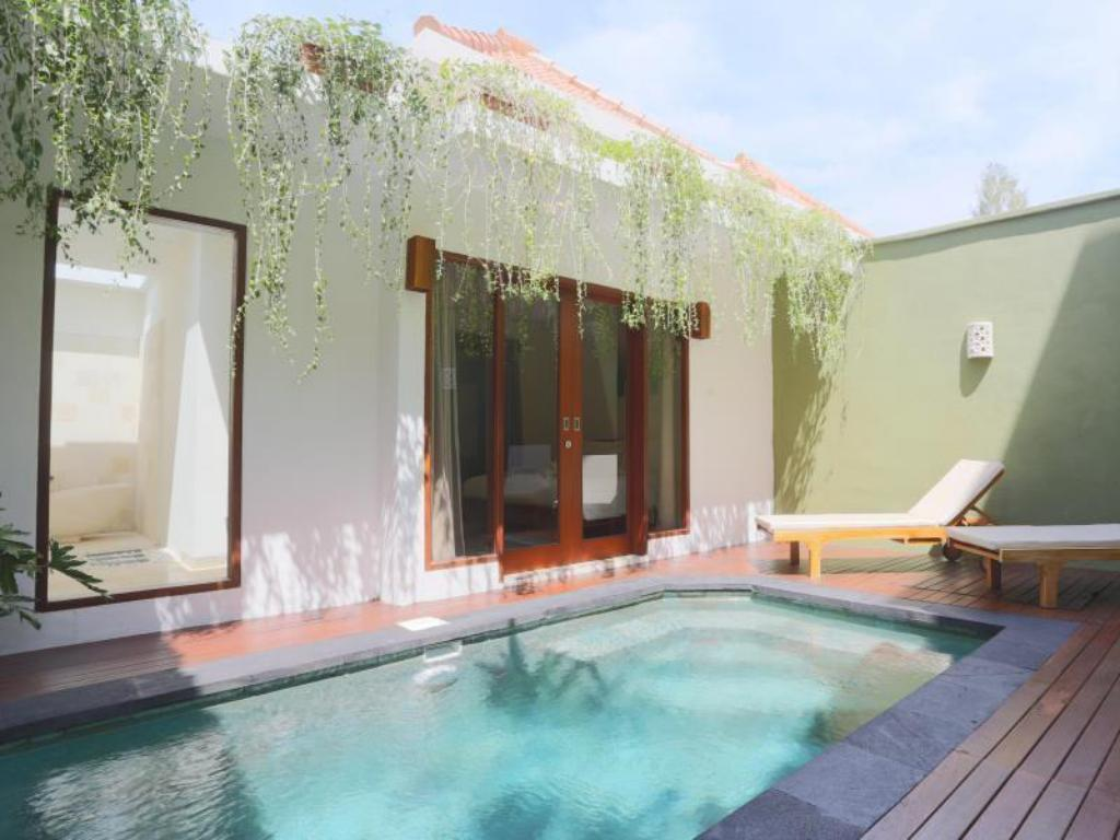 One-Bedroom Pool Villa with Return Airport Transfer