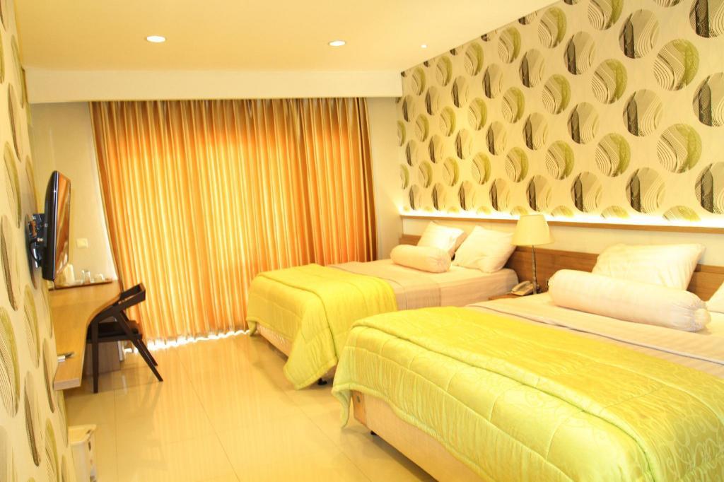 Desain Akuarium Ruang Tamu  aquarium hotel resort pangandaran deals photos reviews