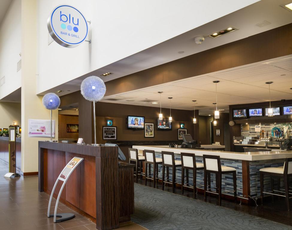 Bar Ontario Airport Hotel & Conference Center