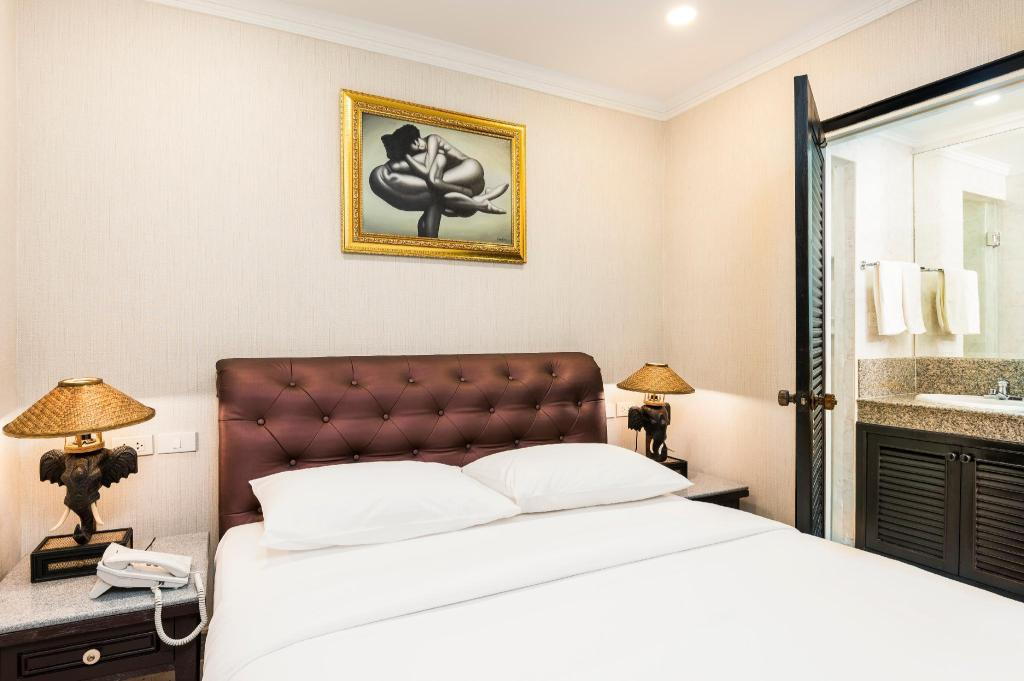 Standard Queen Room - Bed Ambiance Pattaya Hotel