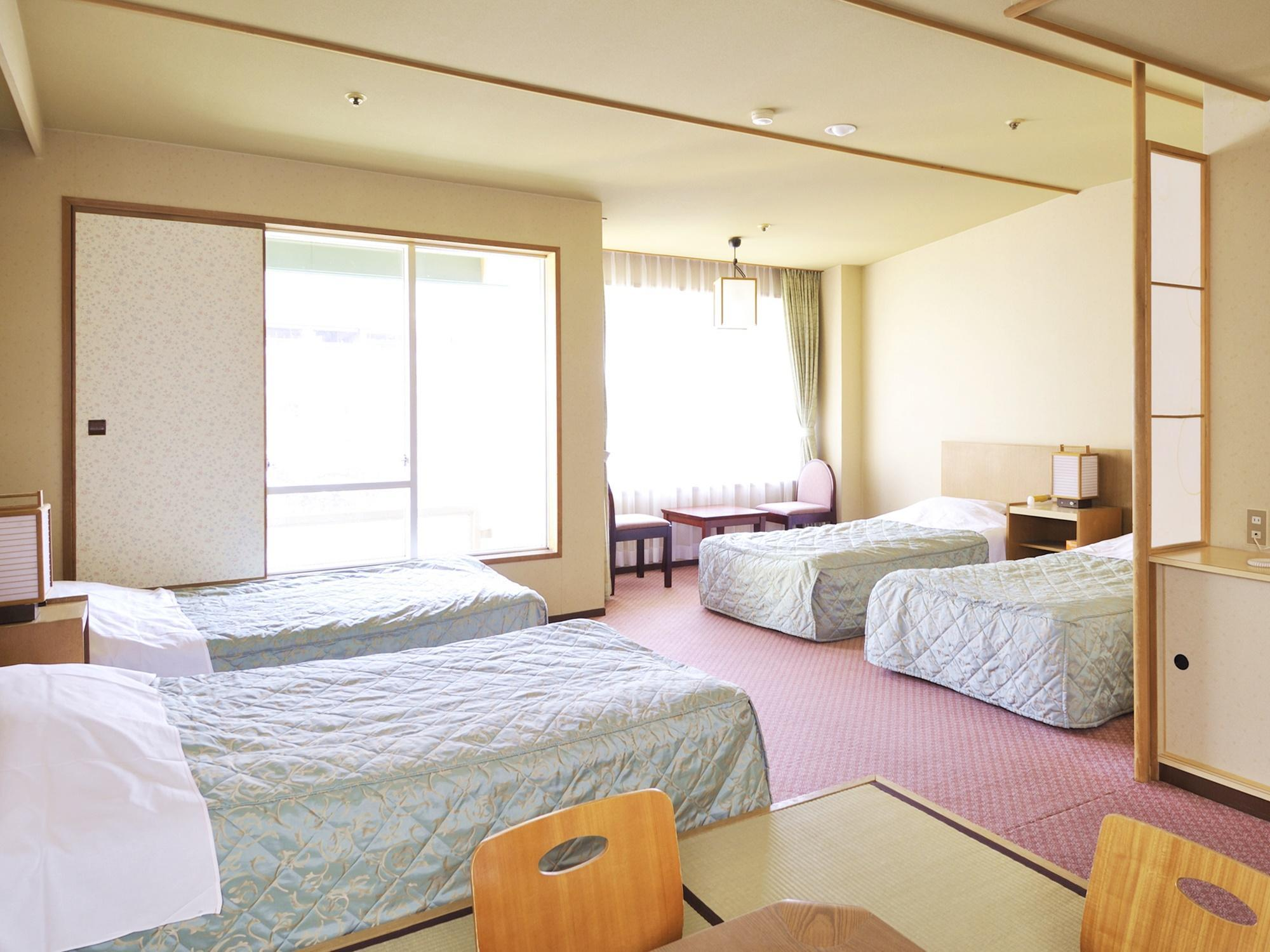 Japanese Western Style Room with 4 Single Beds