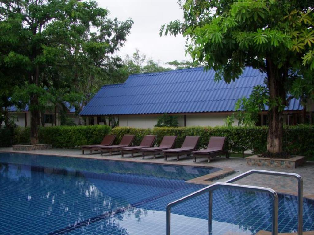 Swimming pool Andaman Resort