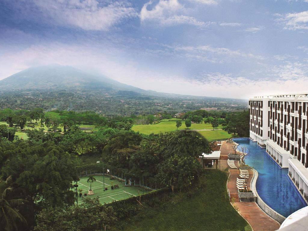 Best Price On R Hotel Rancamaya In Bogor Reviews