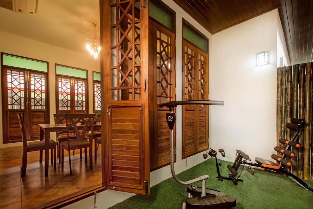 fitness centrum Villa SEAesta with private pool AO NANG
