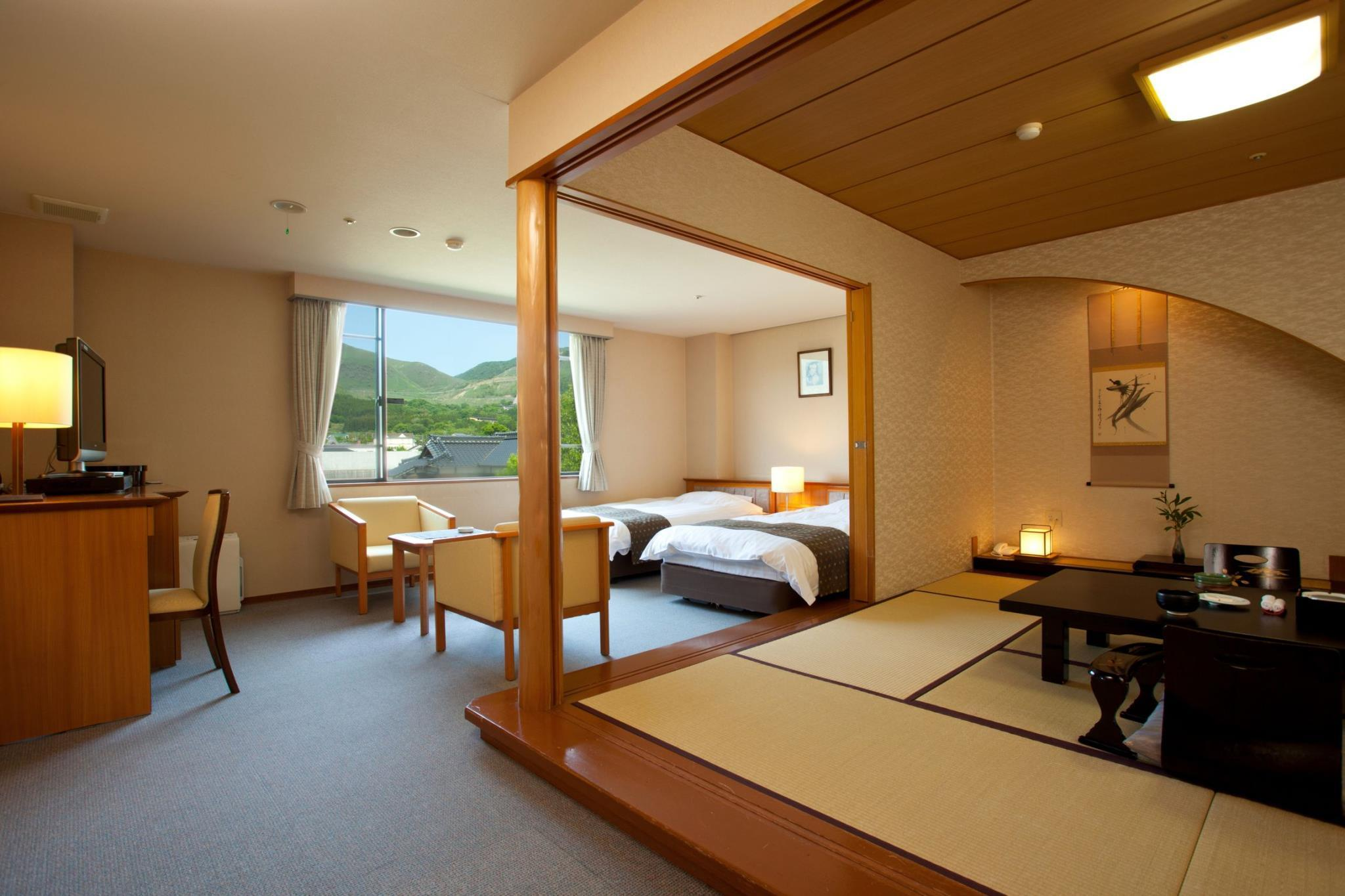 Mount Yufu View Japanese Western Style Room