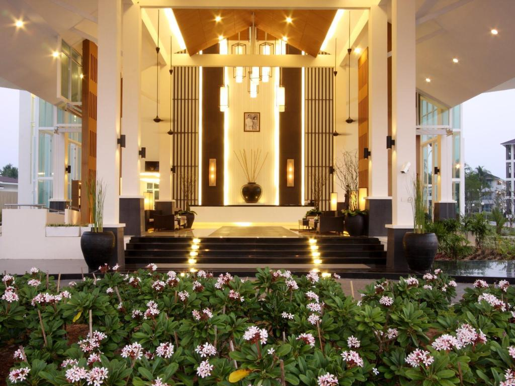 Kantary Beach Villas Suite Khao Lak Resort Deals Photos Reviews