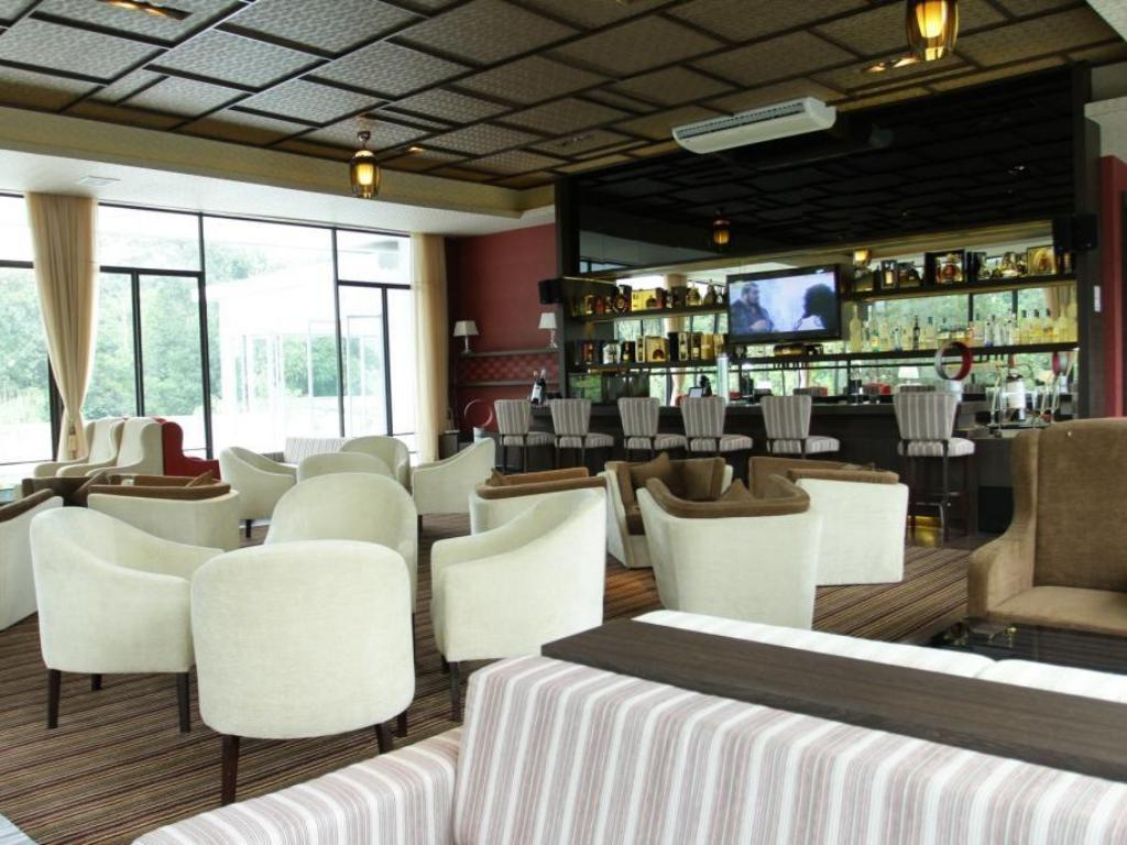 Executive lounge The Hill Hotel & Resort Sibolangit