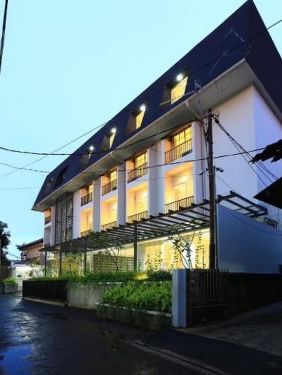 Exterior view Deluxe Room Havenwood Residence at TB Simatupang