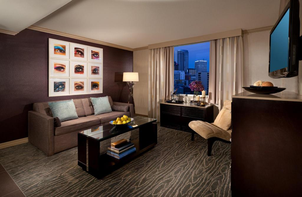 Executive King Suite - Guestroom